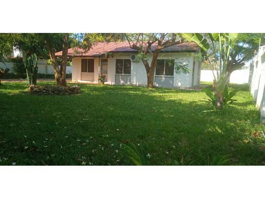 Nicely 3 bedroom small house in masaki $850