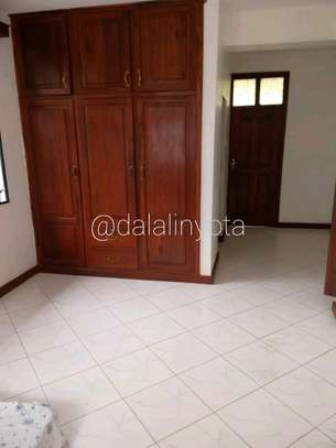 LOVELY HOUSE FOR RENT STAND ALONE image 5