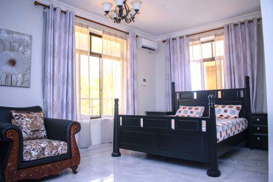 3bedroom Apartment for rent in msasani image 5