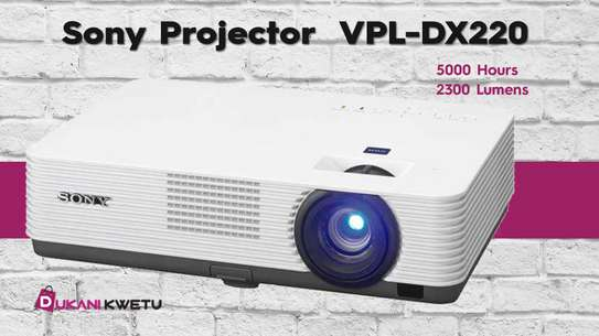 Sony VPL DX220 LCD Projector - 2300 Lumens