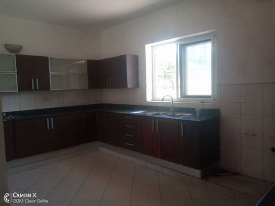 big 4bed house at oyster baywith 2 acre compound $4000pm image 8