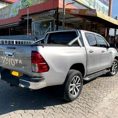 2018 Toyota Hilux image 4