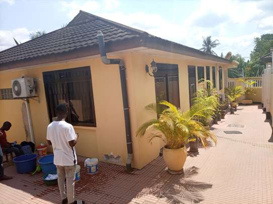 Stand alone house fully furnished for rent at KINONDONI
