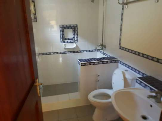 4 Bedrooms House With A Large Guest Wing For Rent in Masaki image 9