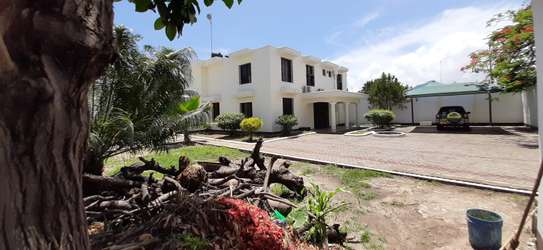 3 Br  House For Rent in Masaki