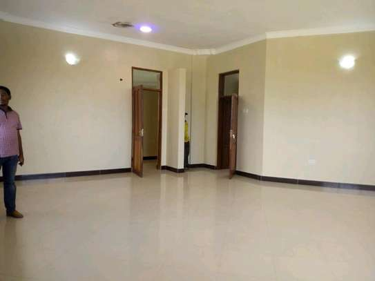 5 bedroom house in Goba close to Goba road. image 8