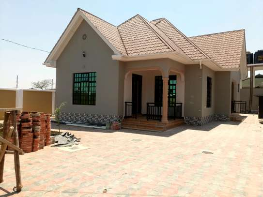 BRAND NEW 3BEDROOMS AT BURKA/WESTERN ARUSHA image 2