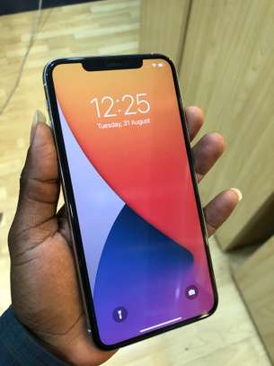 iPhone 11 Pro Max 256GB Silver for sale image 1