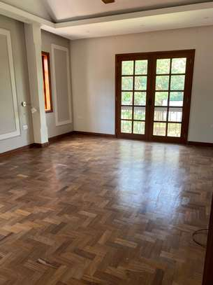 5bdrm house for rent in oyster bay image 1