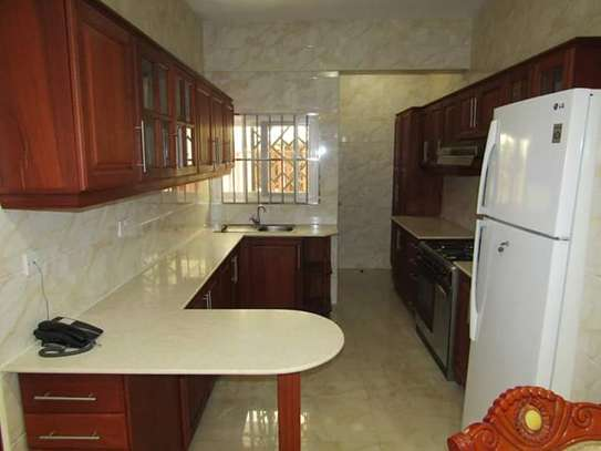 3bdrm town house to let in oysterbay image 4
