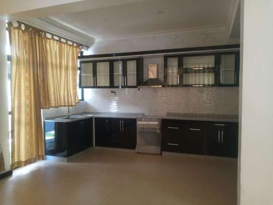 3bed apartment at oyster bay $800pm image 2