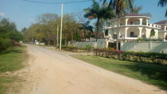 4 bed room town house for rent at msasani beach image 7