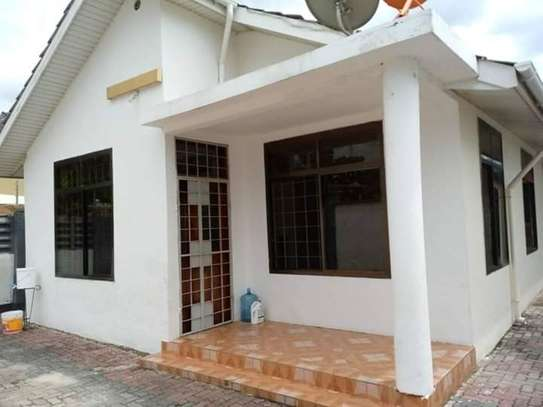 3 bed room house for rent tsh 1ml at mikocheni b