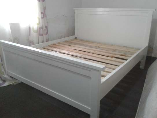 Bed and Spring Mattress image 4