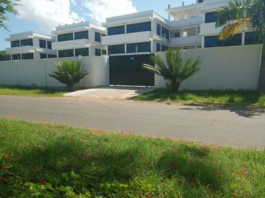 3bed apartment at oyster bay $800pm image 1