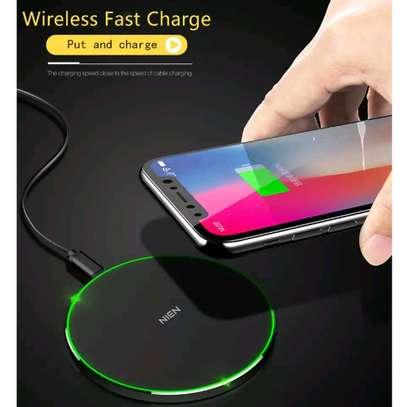 NIEN Wireless Charger - White image 2