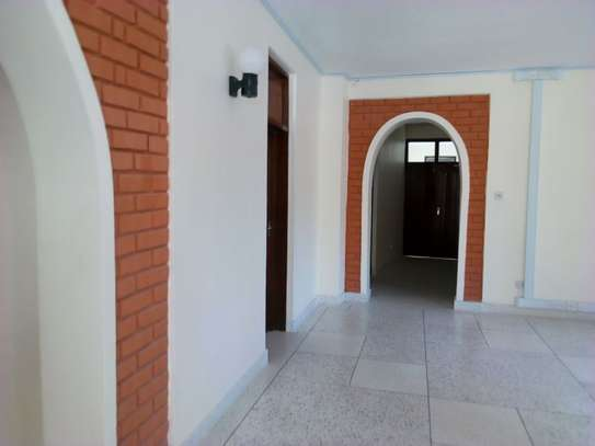 8bed houe at mikocheni $2000pm i deal for office image 13
