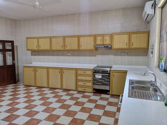 3 bedrooms stand alone furnished oysterbay image 1