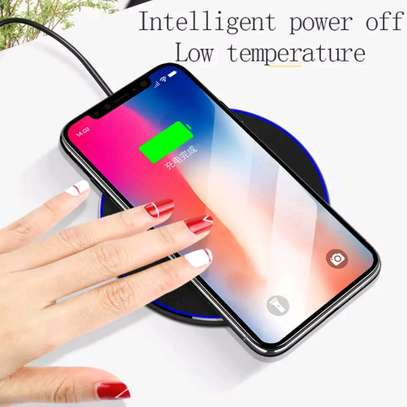 NIEN Wireless Charger - White image 3
