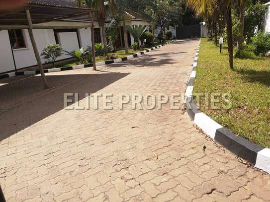 Elegant 4 bedroom stand alone for rent at Masaki image 9