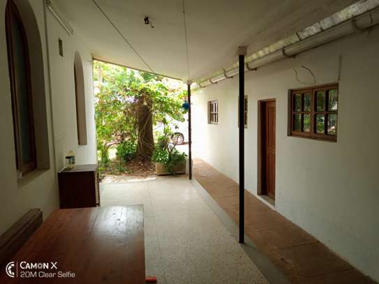 3bed house for sale at toure drive 1125sqm plot size facing the sea $2,5milion image 5