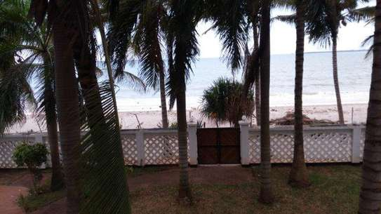 4 Bdrm Beachfront House at Kawe Beach image 15