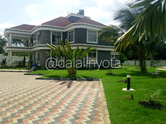 5 BDRM HOUSE AT SALASALA image 2