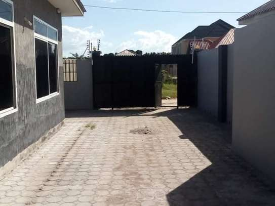 3 bed all ensuite house for rent at bunju image 3