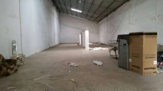 864 and 500 square meter warehouse for rent at Pugu Road image 2
