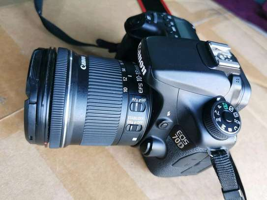 CANON EOS 70D WITH 10-18MM LENS image 3