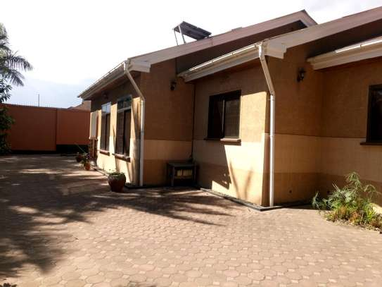 5BEDROOMS SEMI FURNISHED AT NGARAMTONI FOR RENT image 3