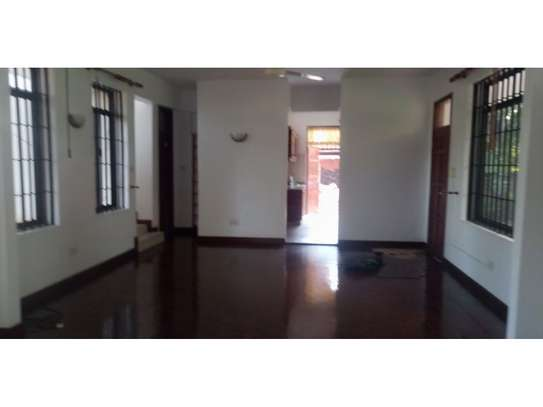 3bed house mature garden at oyster bay $1200pm image 2