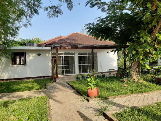 4 Bedrooms House For Rent In Masaki image 3