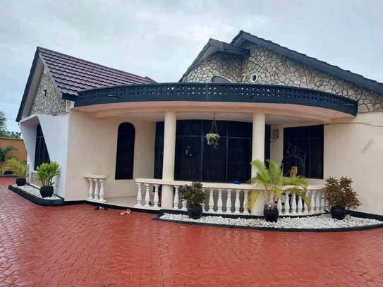 House for sale in Tabata. image 1