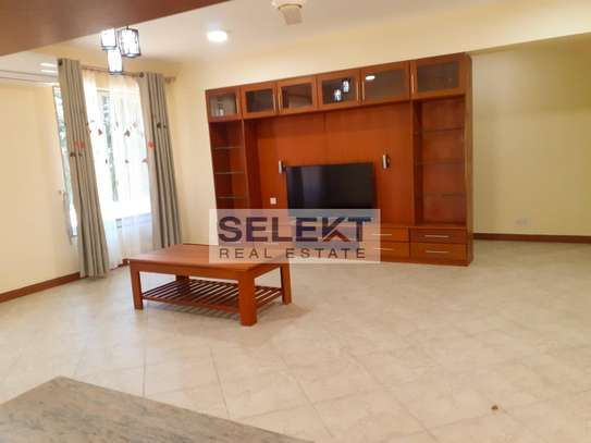 Specious 4 Bedroom Apartment In Oyster Bay image 3