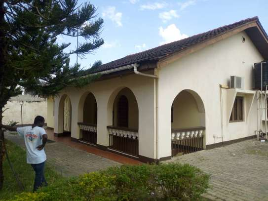 3 bed room big house for rent at mikocheni image 3