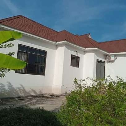 3 bed room big house for sale  at madale image 1