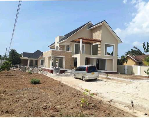 4BEDROOMS HOUSE 4SALE AT BAHARI BEACH image 1