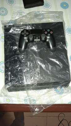 PS4 FAT with 1 controller