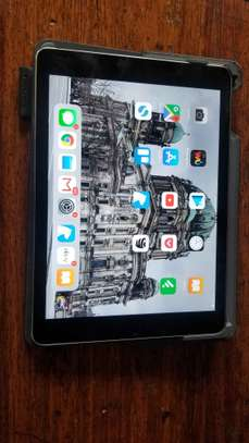 Apple iPad Air 2nd Generation A1566 9.7 Retina Display 64GB WiFi Tablet Grey with Keyboard
