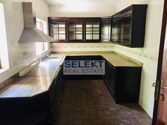4 Bdrm Standalone with Swimming Pool in Masaki image 4