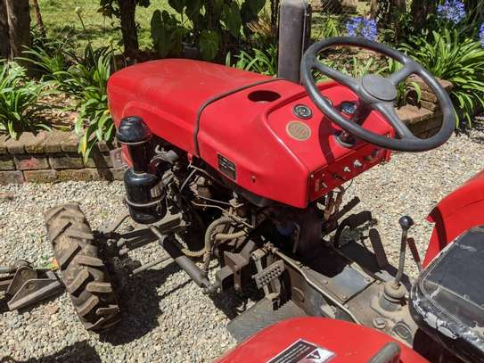 Tractors 4WD 30HP - New Tractor Loader and Hoe image 5