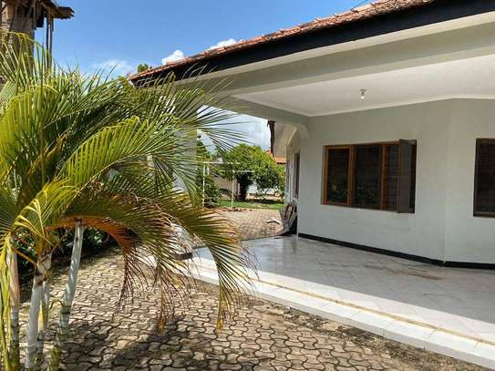 5 bed room house for rent at mikocheni rose garden image 2