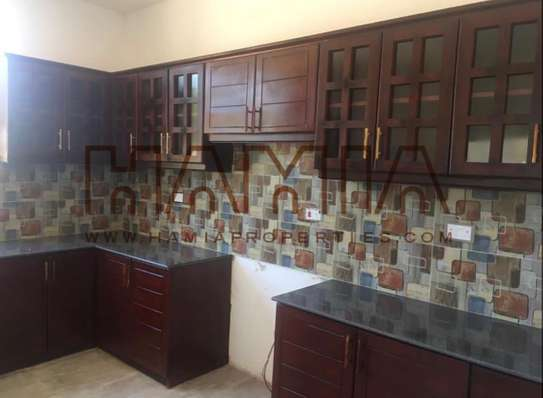 4bedrooms villa for rent in Oysterbay image 2