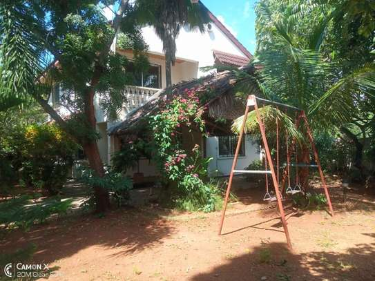 4bed house shared  the compound near george and dragon at masaki $2500pm image 15