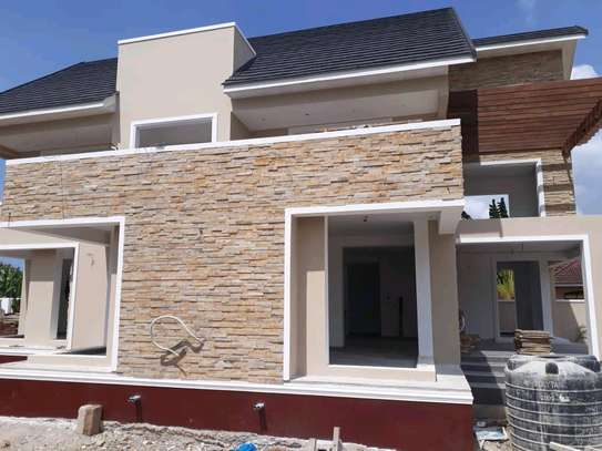 4BEDROOMS HOUSE 4SALE AT BAHARI BEACH image 8