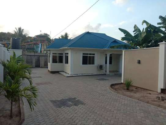 3 bed room big house for sale  at kigamboni image 9
