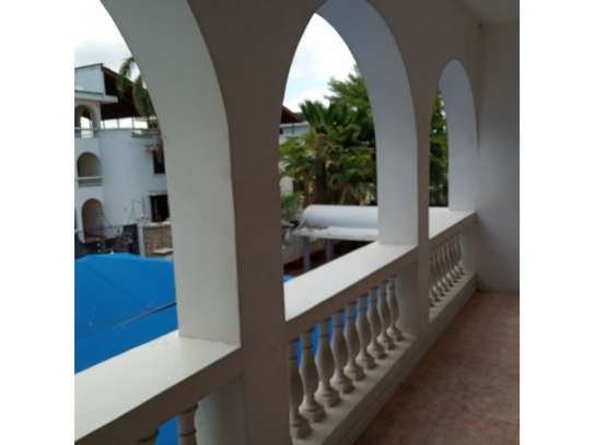 5 bed room all ensuite for rent at msasani , house i deal for office. image 5