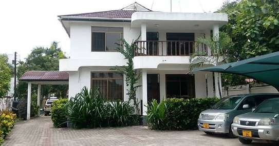 4 bedroom Apartment for rent-oysterbay
