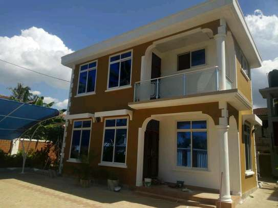 AN EXECUTIVE STANDALONE HOUSE IS FOR RENT NEAR SHOPPERS PLAZA MBEZI BEACH image 1
